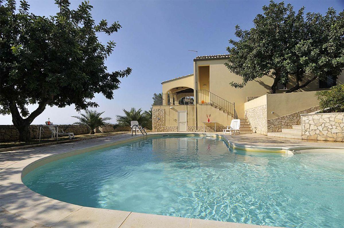 Piscine paysag e bassin d agr ment artemis paysage am nagement espaces verts cr ation d - Deco autour de la piscine ...